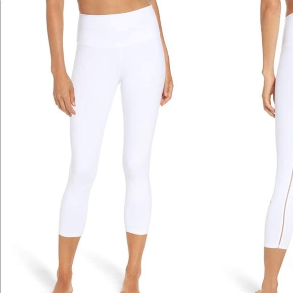 d80444e035 ALO Yoga Pants | New Alo Dash High Waist Capri Legging White L ...